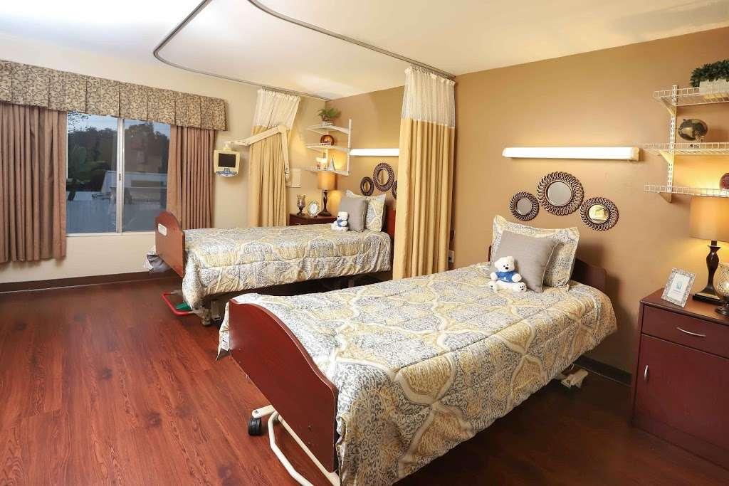 Golden Hill Subacute and Rehabilitation Center - health  | Photo 6 of 10 | Address: 1201 34th St, San Diego, CA 92102, USA | Phone: (619) 232-2946