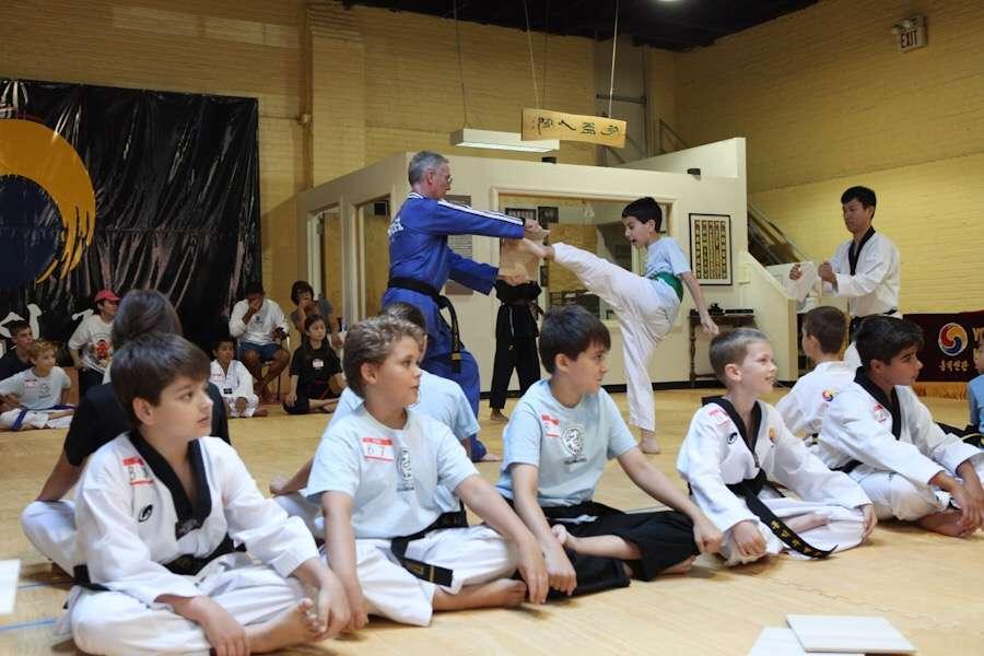 Hongik Martial Arts - health    Photo 3 of 6   Address: 36-12 Broadway, Fair Lawn, NJ 07410, USA   Phone: (201) 794-3636