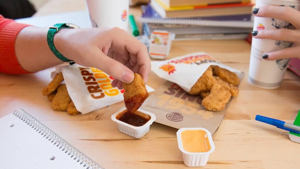 Burger King - restaurant  | Photo 2 of 10 | Address: 4510 Maplecrest Rd, Fort Wayne, IN 46835, USA | Phone: (260) 485-4899