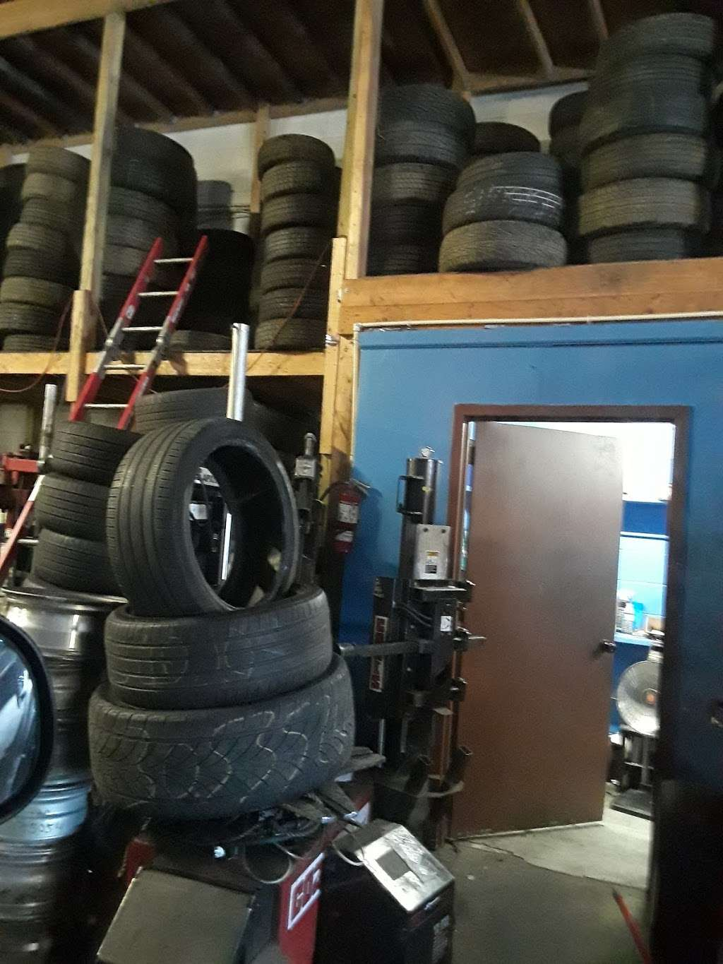 Ameritech Tire Inc. New & Used tires..24hrs tireshop - car repair  | Photo 10 of 10 | Address: 1205 Marblewood Ave, Capitol Heights, MD 20743, USA | Phone: (240) 764-8415