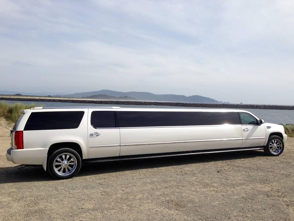 A List Limousine - travel agency    Photo 5 of 7   Address: 801 NW 184th St, Ridgefield, WA 98642, USA   Phone: (503) 223-0366