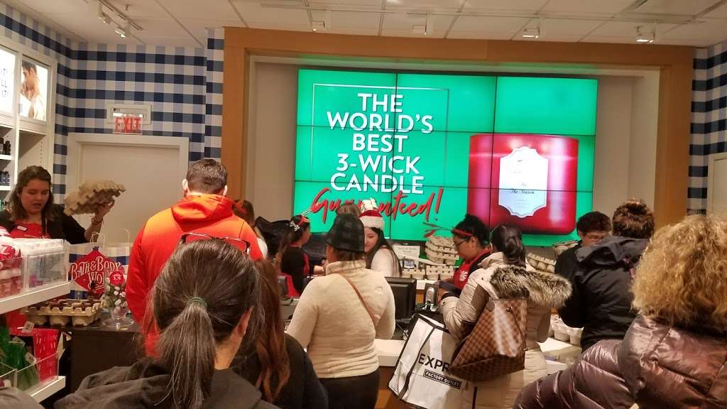 Bath Amp Body Works Home Goods Store 4190 N Harlem Ave