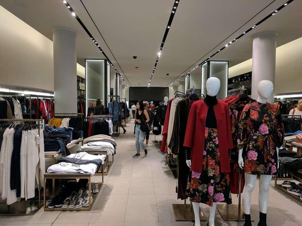 Zara - clothing store  | Photo 8 of 10 | Address: 101 5th Ave, New York, NY 10003, USA | Phone: (212) 741-0555