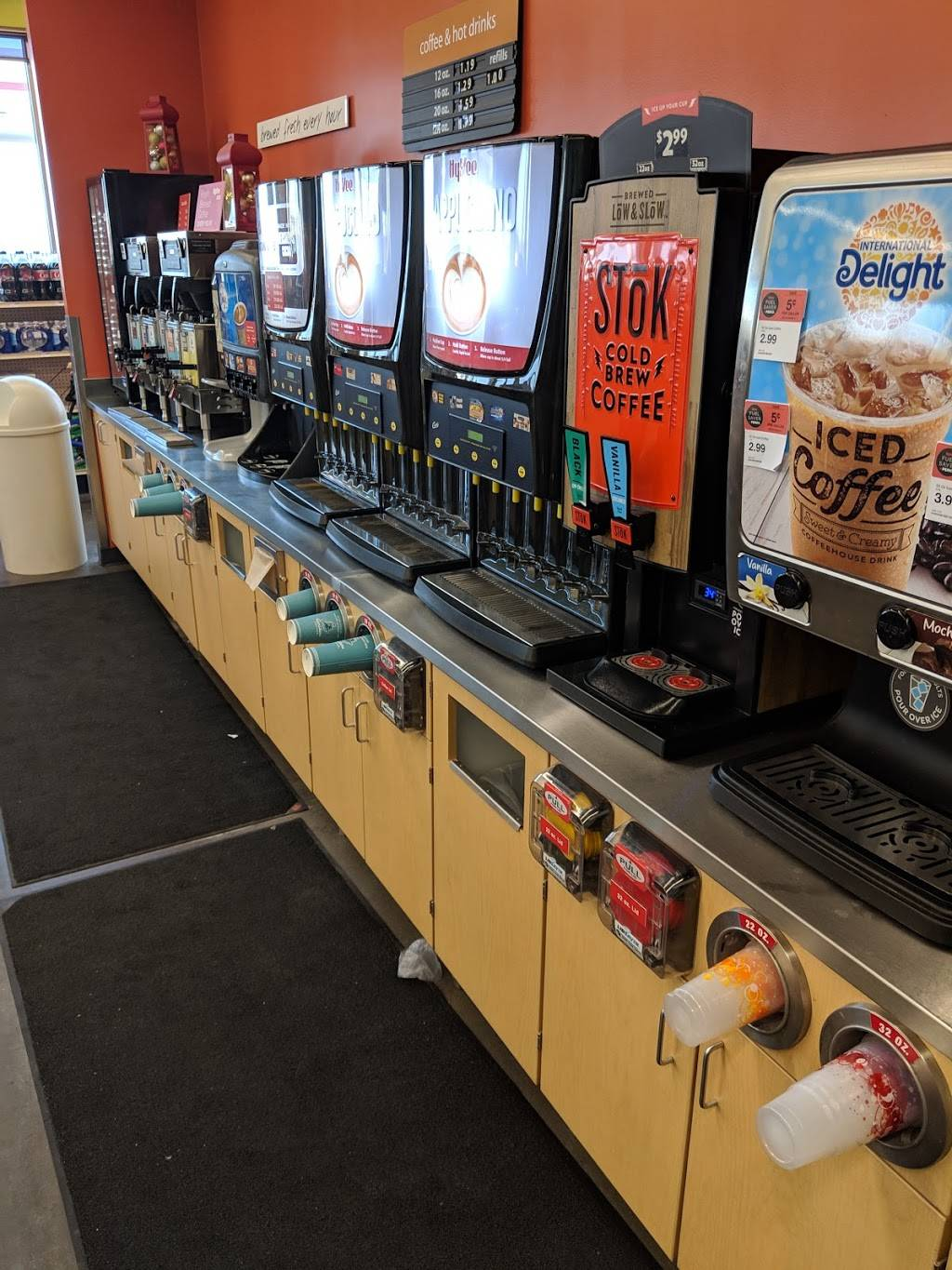Hy-Vee Gas - gas station  | Photo 3 of 3 | Address: 7120 10th St N, Oakdale, MN 55128, USA | Phone: (651) 702-5944
