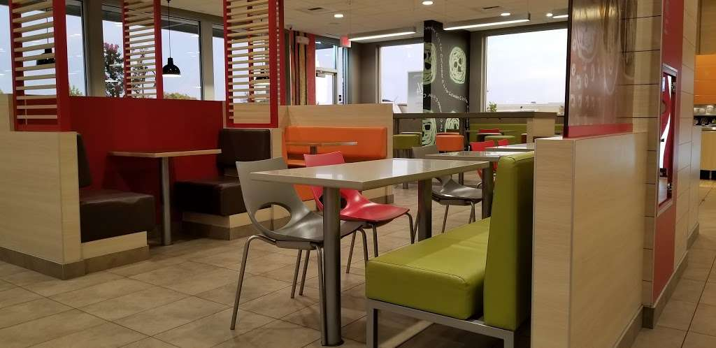 McDonalds - cafe  | Photo 2 of 10 | Address: 3500 Nelson Rd, Fairfield, CA 94533, USA | Phone: (707) 426-4734