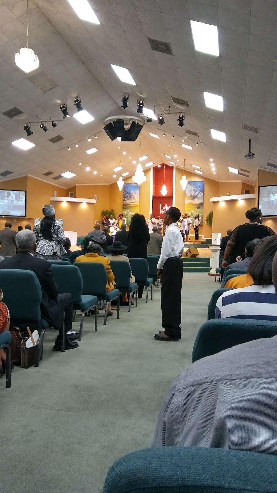 The Crossing Community Church - church  | Photo 1 of 10 | Address: 3225 W Orem Dr, Houston, TX 77045, USA | Phone: (713) 433-2862