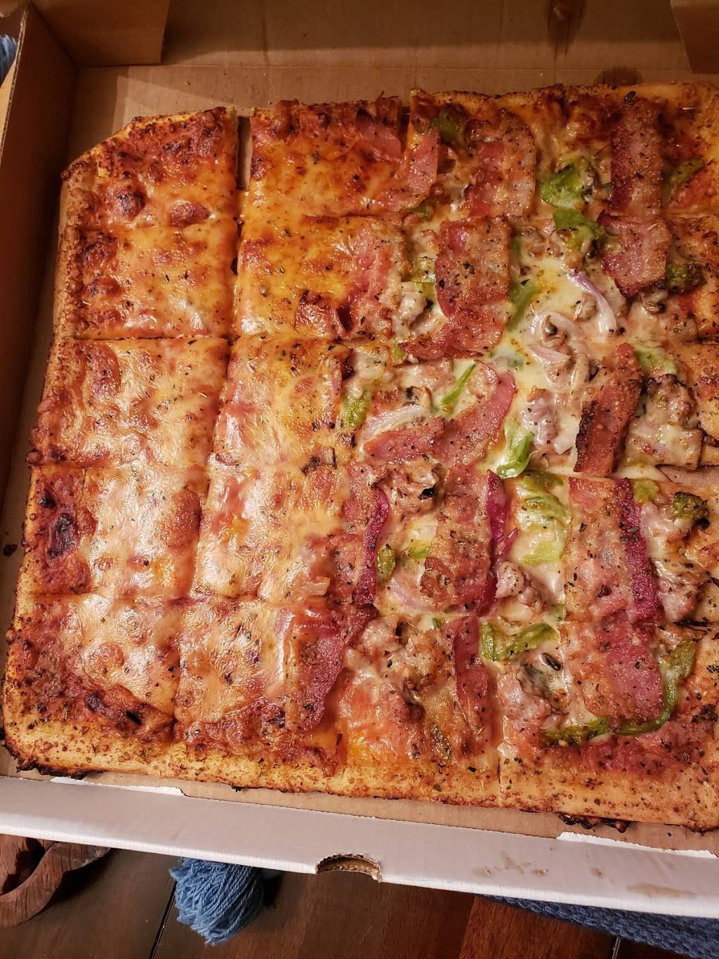 Imos Pizza - meal delivery  | Photo 6 of 10 | Address: 5806 Hampton Ave, St. Louis, MO 63109, USA | Phone: (314) 832-9677