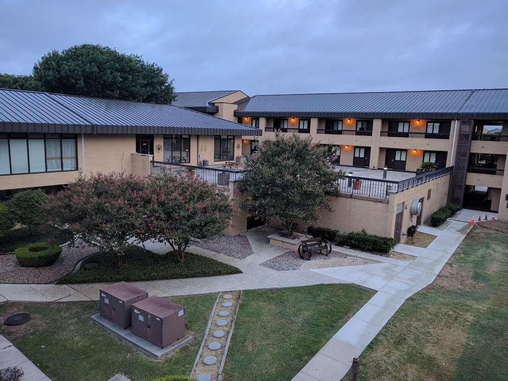 Gateway Inn - lodging  | Photo 6 of 10 | Address: 1750 Femoyer St, San Antonio, TX 78236, USA | Phone: (210) 673-6930