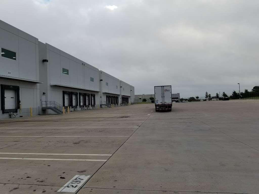 PTX1 Amazon (Pepsi Building) - storage  | Photo 1 of 3 | Address: 2101 Danieldale Rd, Lancaster, TX 75134, USA