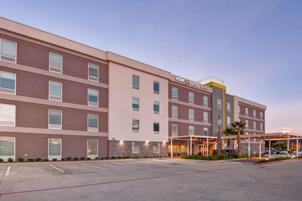 Home2 Suites by Hilton Baytown - lodging  | Photo 7 of 10 | Address: 7512 Garth Rd, Baytown, TX 77521, USA | Phone: (832) 926-7350