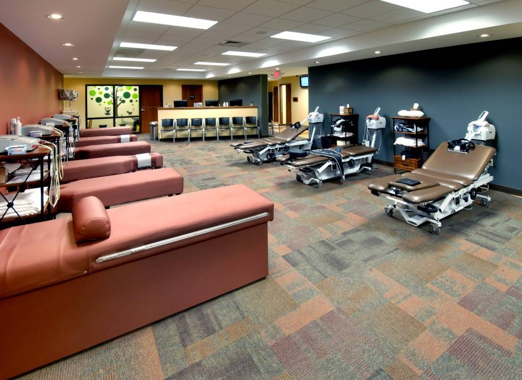 Dr. Alex Jimenez DC , Injury Medical & Chiropractic Clinic - gym  | Photo 4 of 9 | Address: B, 6440 Gateway Blvd E, El Paso, TX 79905, USA | Phone: (915) 850-0900