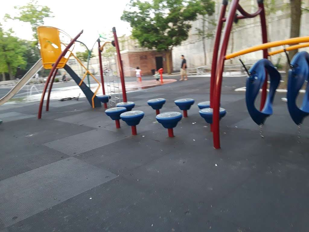 Crowley Playground - park  | Photo 3 of 10 | Address: 57th Ave. & 83rd St, Queens, NY 11373, USA | Phone: (212) 639-9675