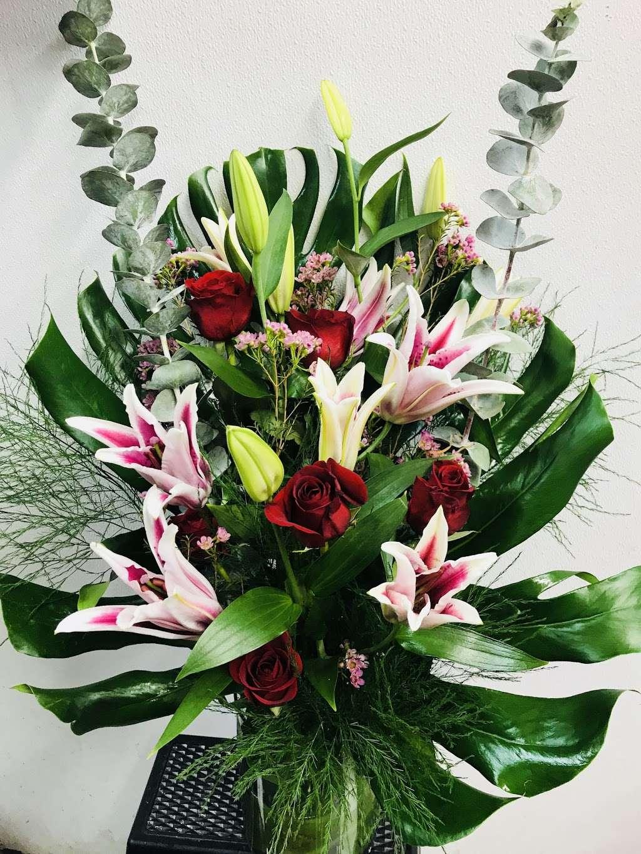 Yesenias Flowers - florist  | Photo 5 of 10 | Address: 1537 Castle Hill Ave, Bronx, NY 10462, USA | Phone: (347) 657-0022