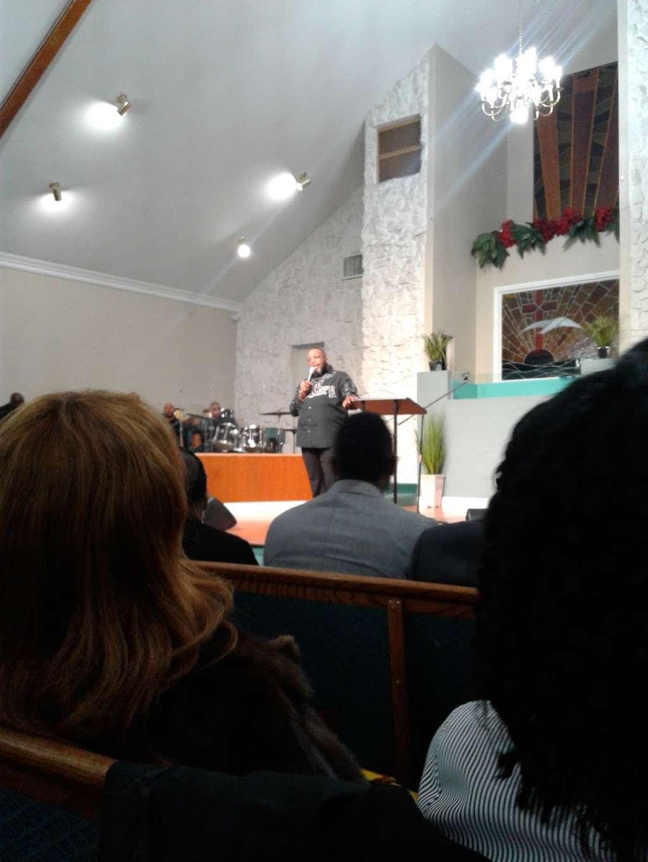 Philadelphian SDA Church children service - church    Photo 8 of 8   Address: 2640 Santa Fe Ave, Long Beach, CA 90810, USA   Phone: (562) 426-8026