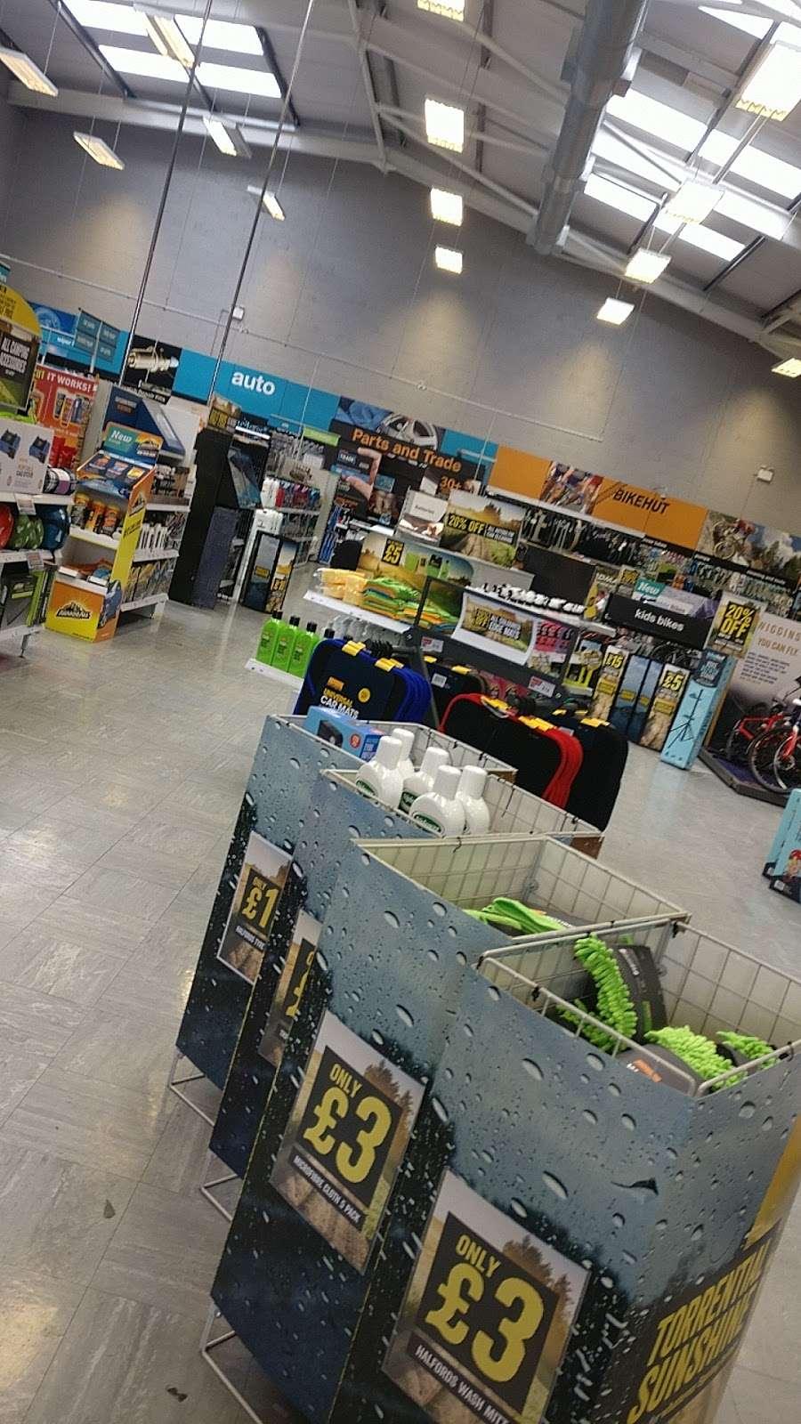 Halfords Epsom - bicycle store    Photo 9 of 10   Address: 1 Kiln Ln, Epsom KT17 1EQ, UK   Phone: 01372 847540