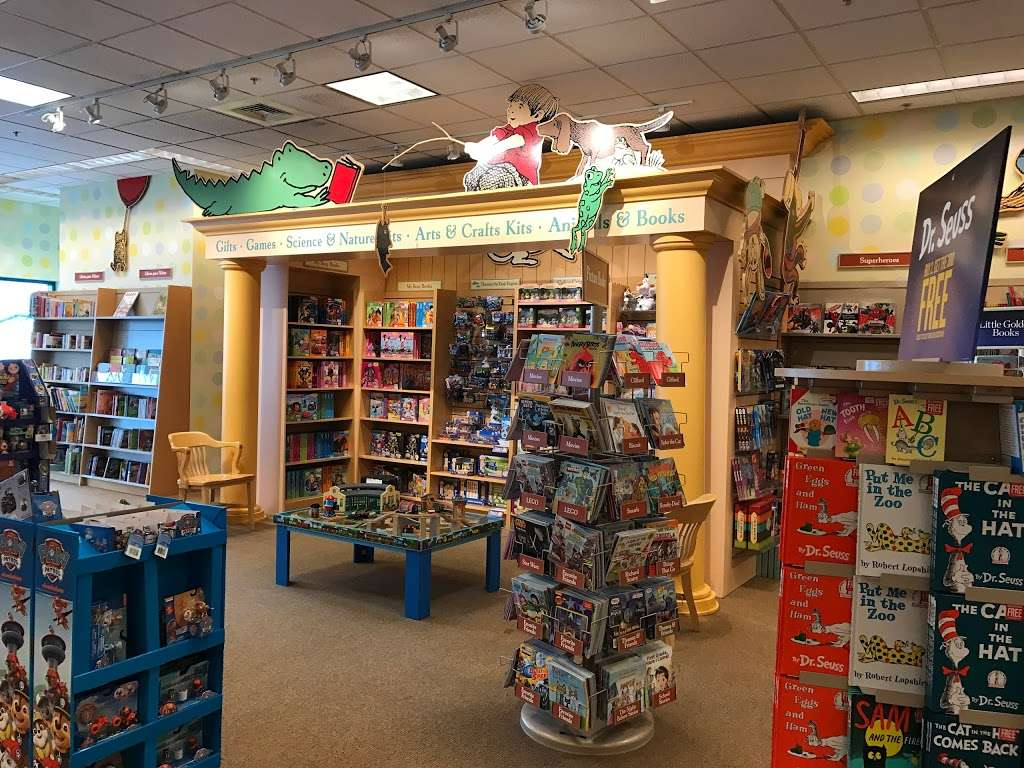 barnes \u0026 noble book store 297 oakbrook center, oak brook, ilbarnes \u0026 noble book store photo 1 of 10 address 297 oakbrook