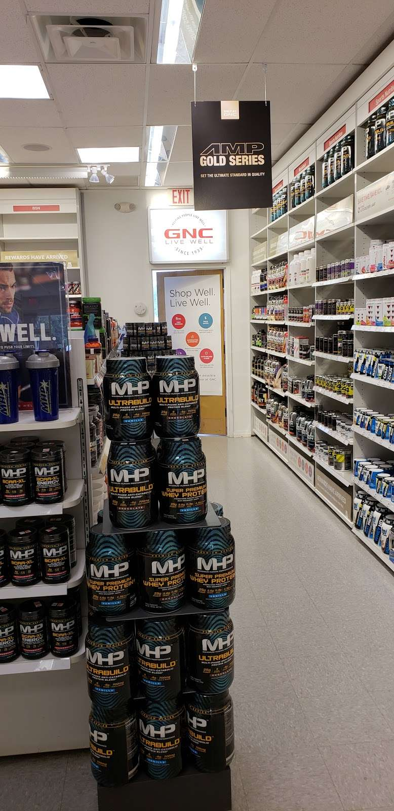 GNC - store  | Photo 10 of 10 | Address: 725 River Rd, Edgewater, NJ 07020, USA | Phone: (201) 941-5430