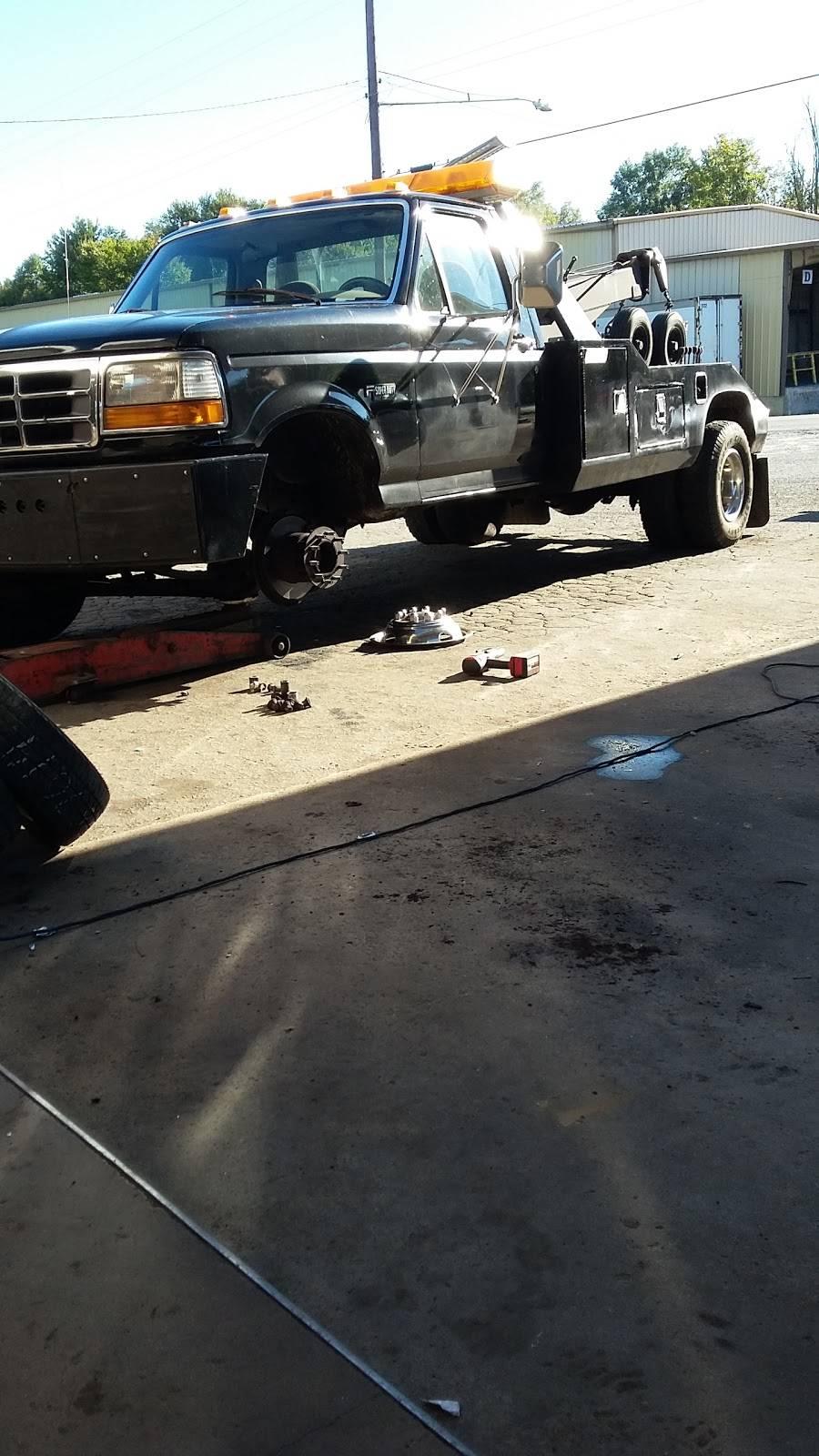 B & R Tire Services - car repair  | Photo 9 of 10 | Address: 4120 N Glenn Ave, Winston-Salem, NC 27105, USA | Phone: (336) 767-2910