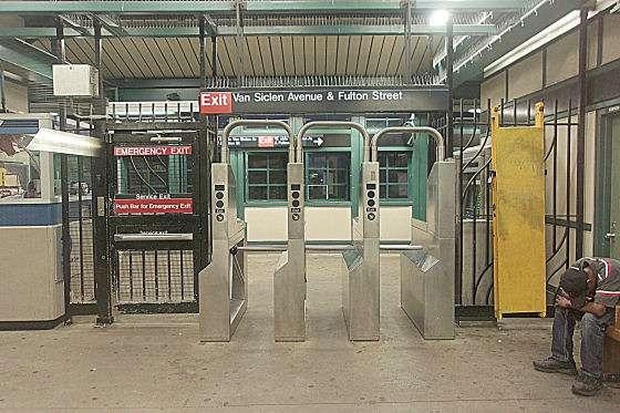 Van Siclen Av - subway station  | Photo 1 of 10 | Address: Brooklyn, NY 11207, USA