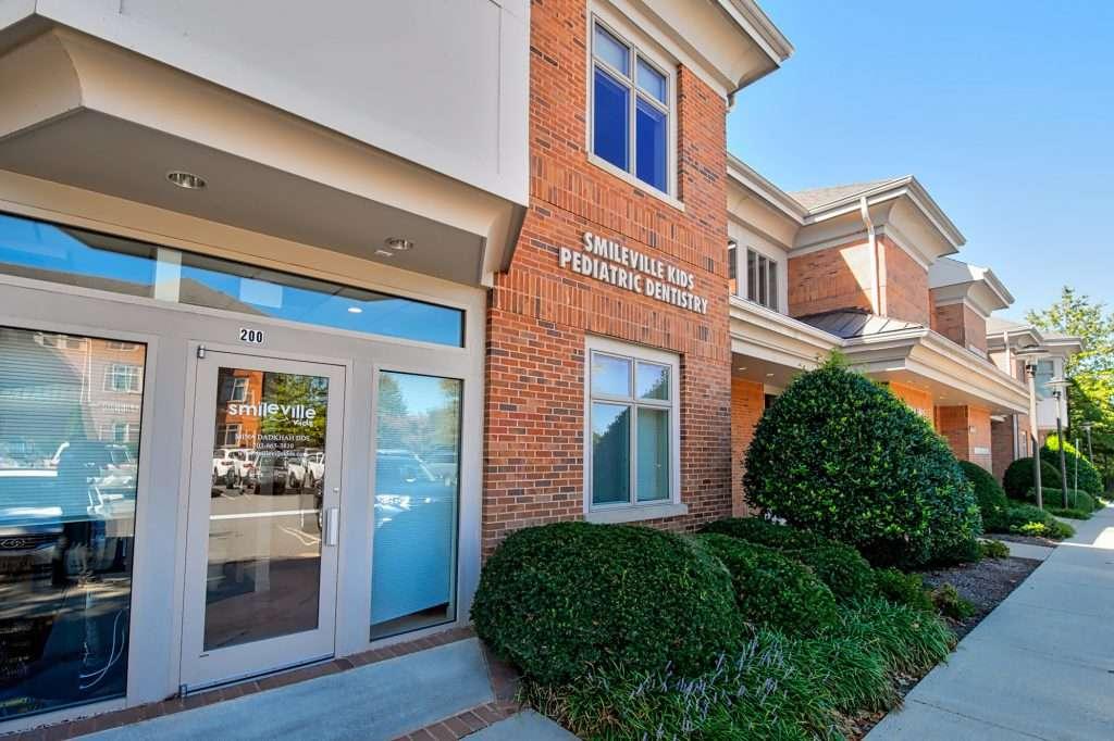 Smileville Family Dental - dentist  | Photo 2 of 10 | Address: 46165 Westlake Dr Suite 200, Sterling, VA 20165, USA | Phone: (703) 665-3810