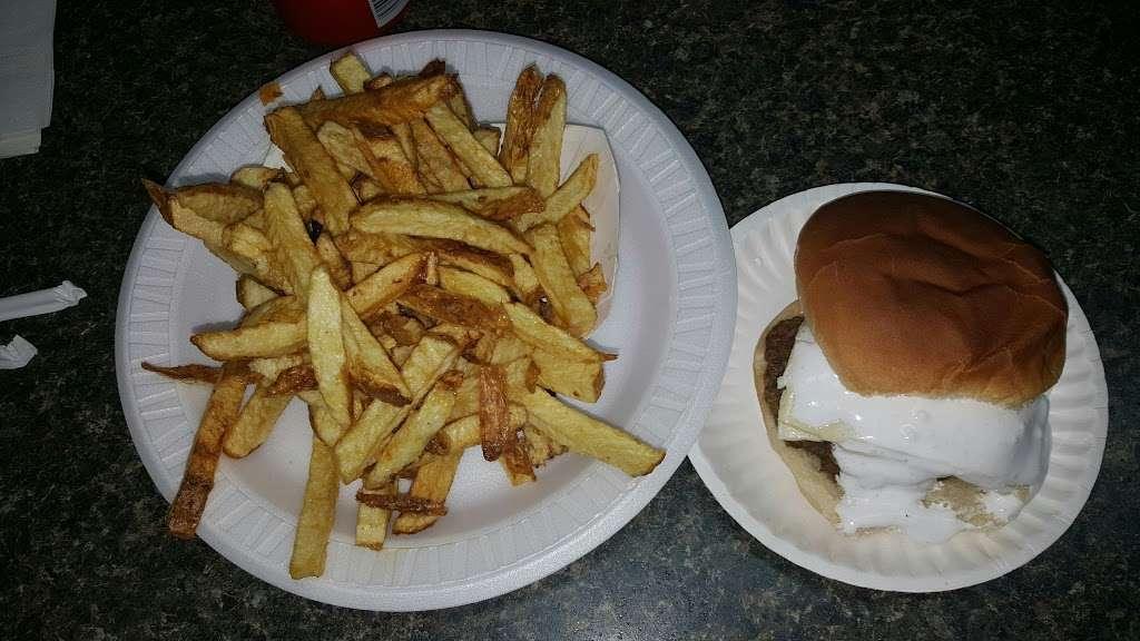 Tonys Lunch - restaurant  | Photo 5 of 10 | Address: 23 E Main St, Girardville, PA 17935, USA | Phone: (570) 276-1730