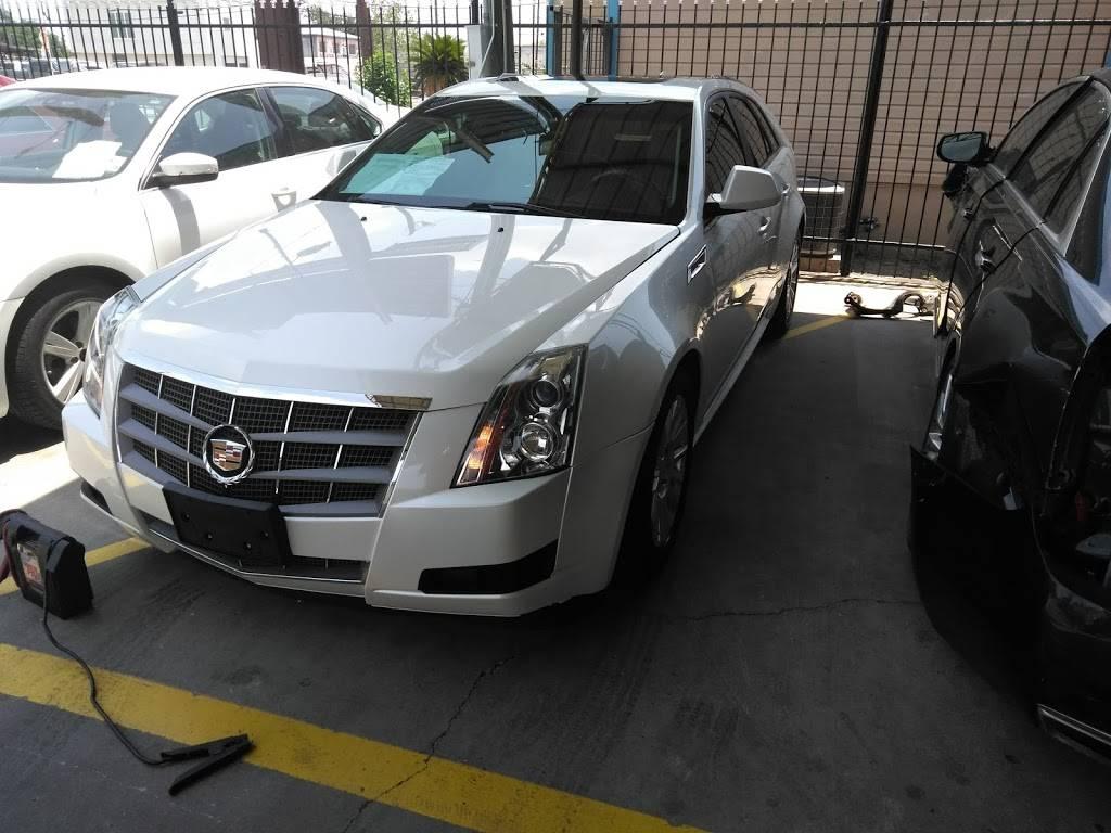 Bandera Motors - car dealer  | Photo 3 of 7 | Address: 415 W Saunders St, Laredo, TX 78041, USA | Phone: (956) 725-4847