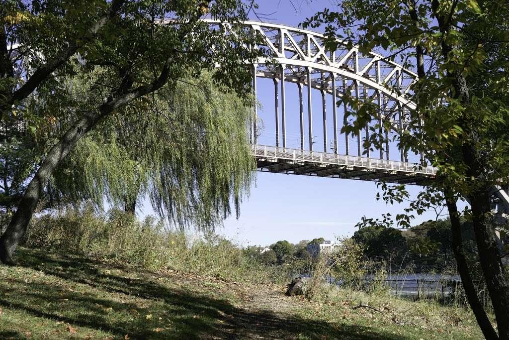 Native Plant Garden - park  | Photo 4 of 8 | Address: 11 Wards Meadow Loop, New York, NY 10035, USA