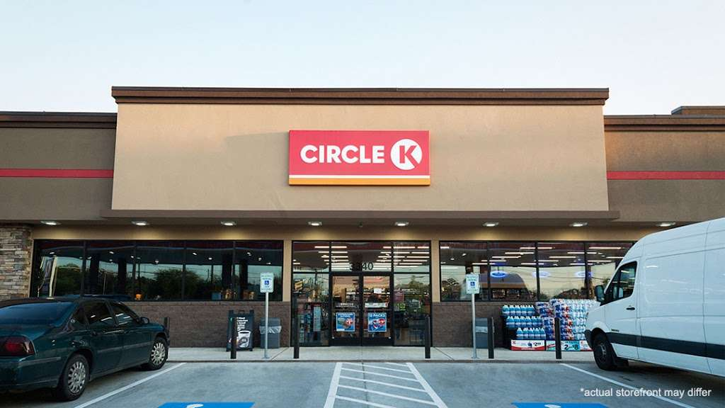 Circle K - convenience store  | Photo 1 of 10 | Address: 4600 N Alafaya Trail, Orlando, FL 32826, USA | Phone: (407) 482-8222