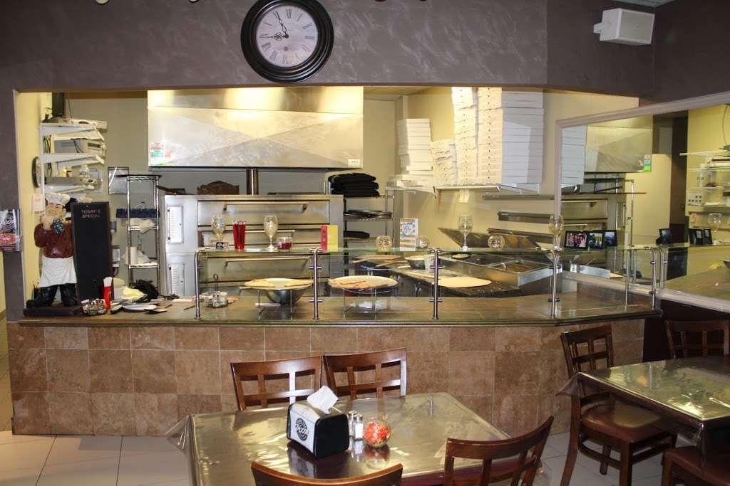 Nonna Lisa Pizza - restaurant  | Photo 5 of 10 | Address: 41 River Rd, North Arlington, NJ 07031, USA | Phone: (201) 885-3155