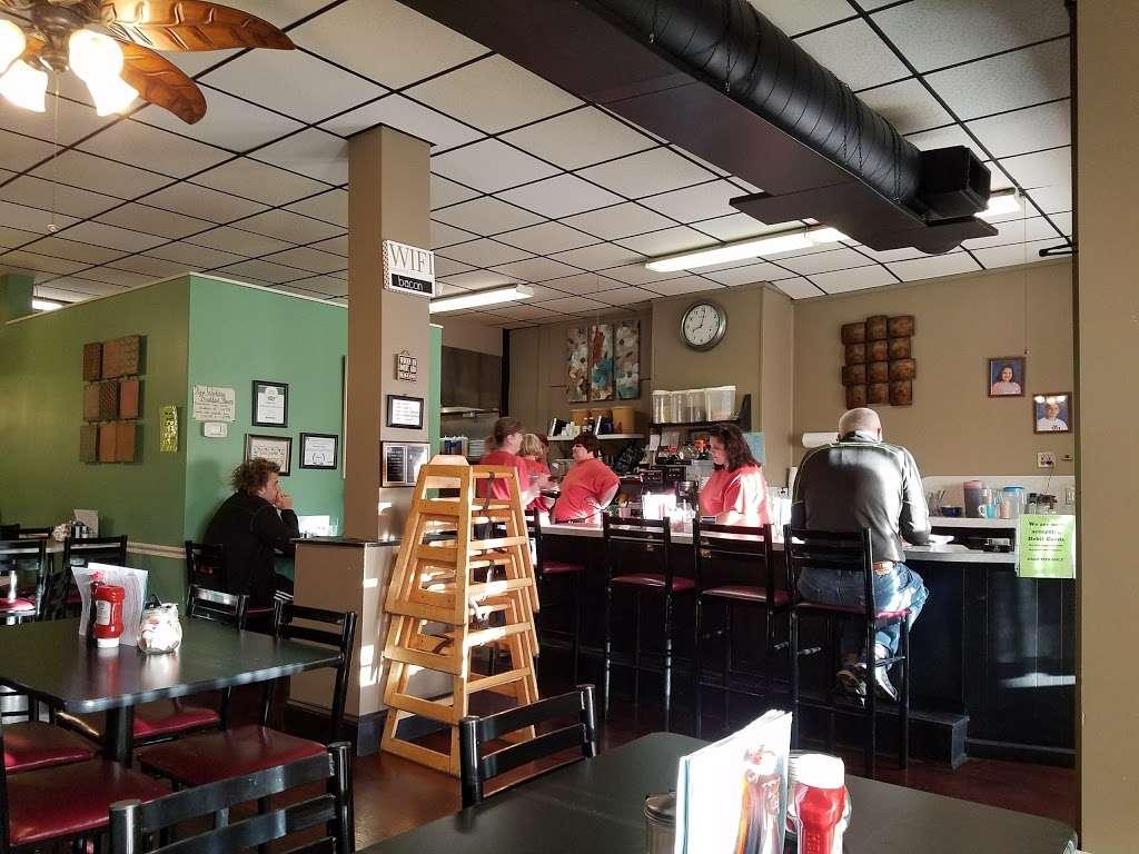 Annamaries Place - restaurant  | Photo 1 of 10 | Address: 347 Main St, Royersford, PA 19468, USA | Phone: (610) 948-0590