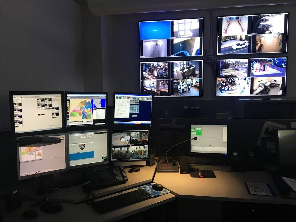 University of North Florida Police Department - police  | Photo 5 of 10 | Address: S U N F Dr, Jacksonville, FL 32224, USA | Phone: (904) 620-2800