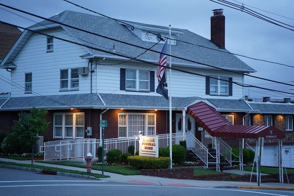 Kimak Funeral Home - funeral home  | Photo 2 of 2 | Address: 425 Broad St, Carlstadt, NJ 07072, USA | Phone: (201) 438-6708