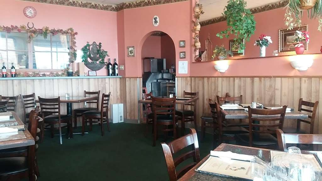 Fabios Pizza - restaurant  | Photo 2 of 10 | Address: 408 W Gordon Ave C, Gordonsville, VA 22942, USA | Phone: (540) 832-9900