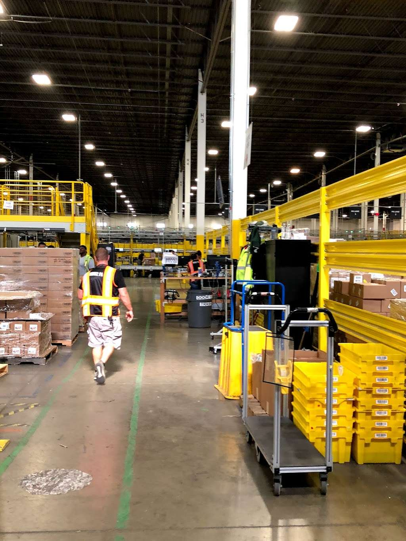 Amazon Cross-Dock Facility - MDW2 - storage    Photo 4 of 10   Address: 250 Emerald Dr, Joliet, IL 60433, USA   Phone: (866) 495-8567