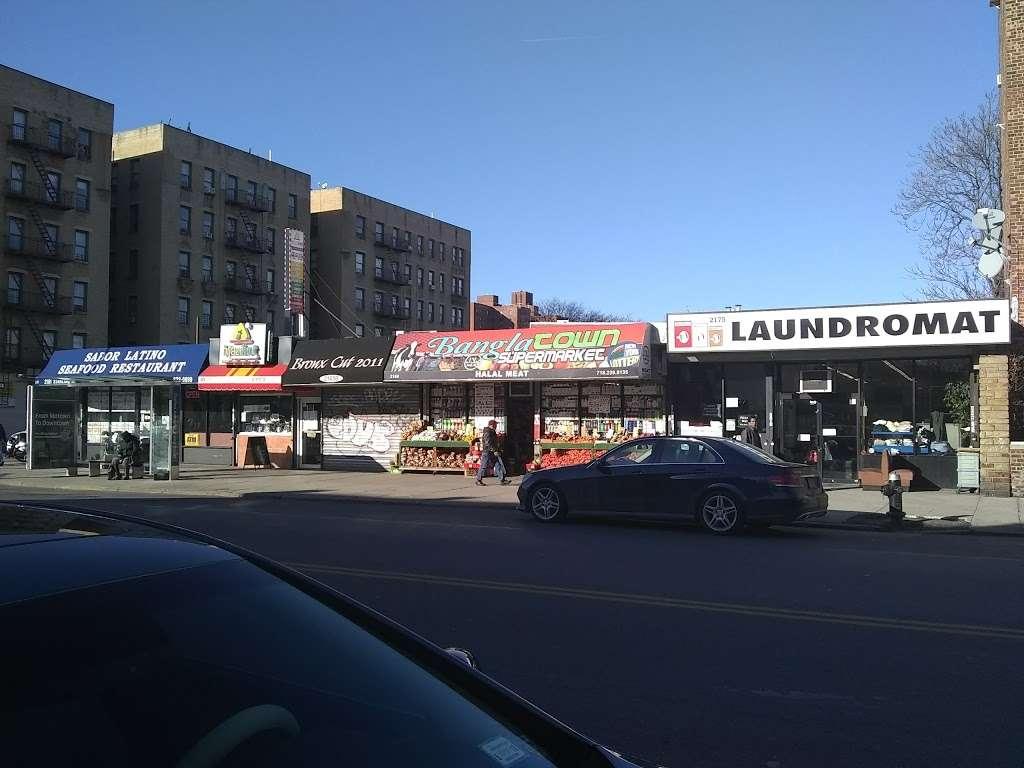 Bangla Town Supermarket - store  | Photo 2 of 2 | Address: 2169 Starling Ave, Bronx, NY 10462, USA | Phone: (718) 239-8135