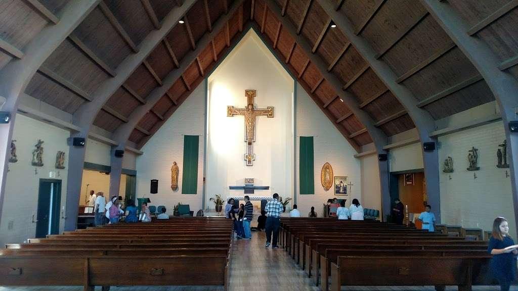 Saint Albert the Great Catholic Church - church  | Photo 8 of 10 | Address: 804 E Compton Blvd, Rancho Dominguez, CA 90220, USA | Phone: (310) 329-7548