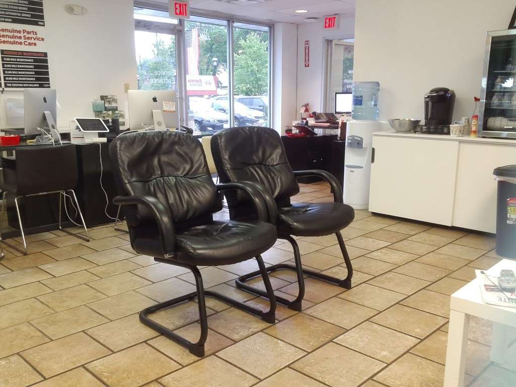 Prestige Kia - car dealer  | Photo 6 of 10 | Address: 95 County Rd, Tenafly, NJ 07670, USA | Phone: (201) 871-9400