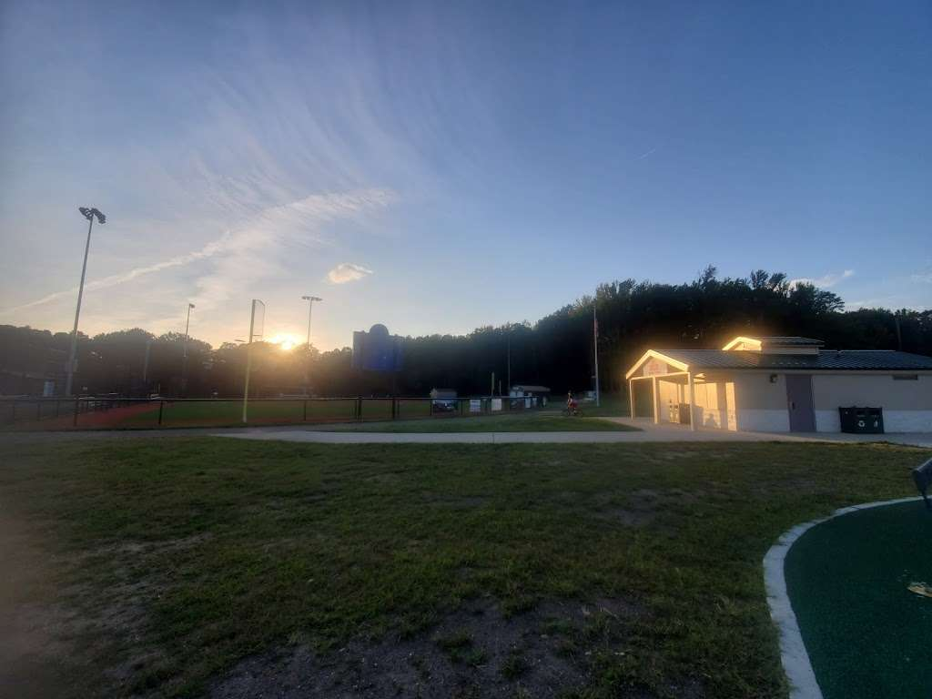 Delran Community Park - park  | Photo 4 of 10 | Address: 12 Hartford Rd, Delran, NJ 08075, USA