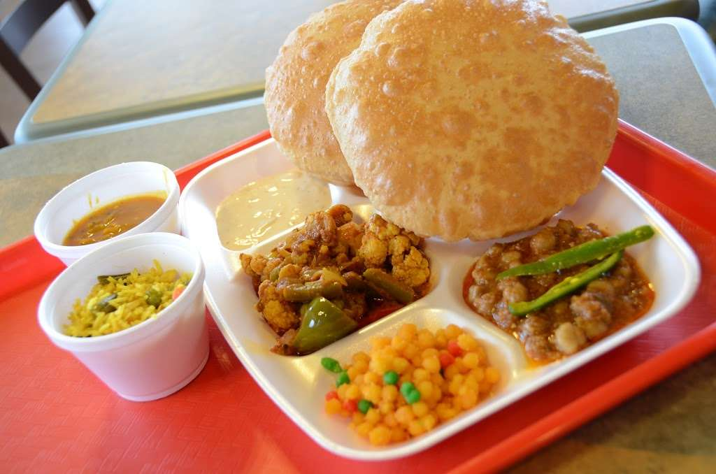 Chataka Masti Indian Grill - restaurant  | Photo 2 of 10 | Address: 888 S. Rt 59 #108, Naperville, IL 60540, USA | Phone: (630) 922-5880