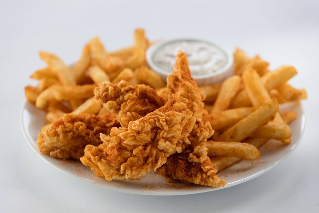Golden Chick - meal takeaway    Photo 2 of 6   Address: 900 S Carrier Pkwy, Grand Prairie, TX 75051, USA   Phone: (214) 412-3270