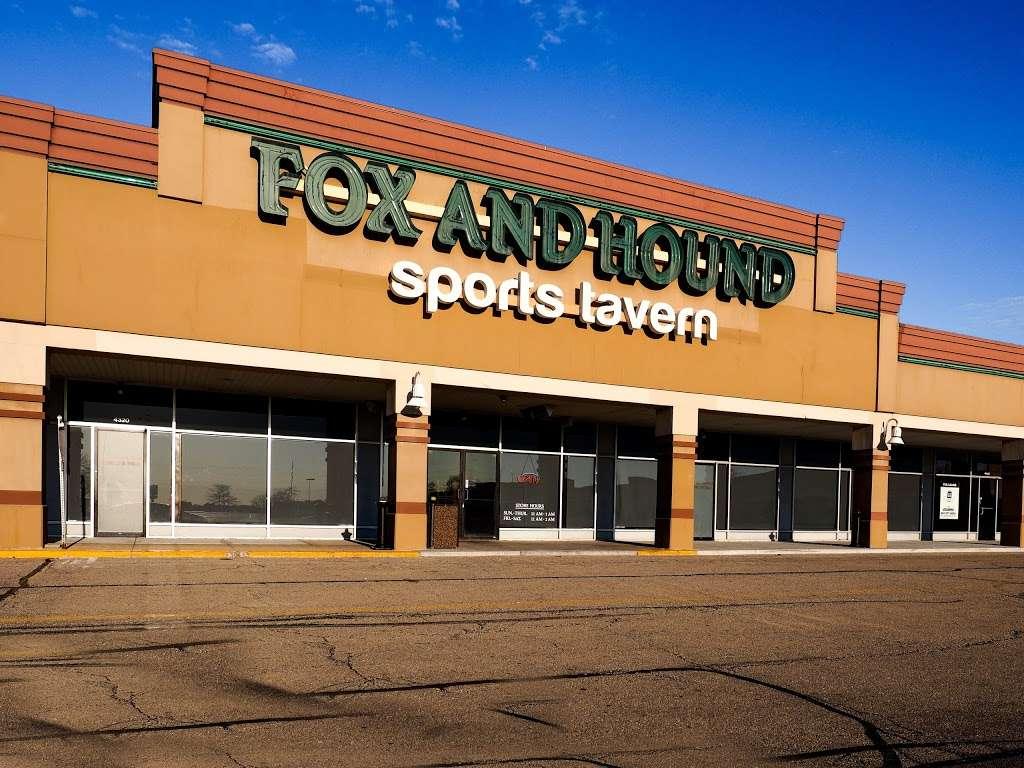 Fox & Hound - restaurant  | Photo 2 of 10 | Address: Yorkshire Shpg Center, 4320 E. New York Ave, Aurora, IL 60504, USA | Phone: (630) 236-9183