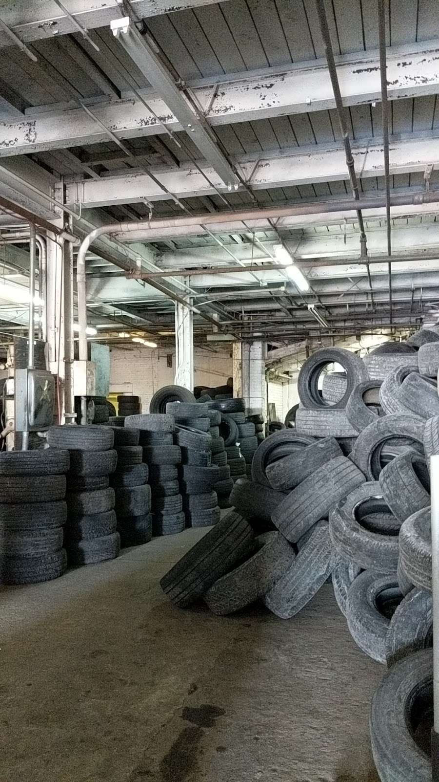 Tire Giants - car repair    Photo 4 of 10   Address: 8301 Torresdale Ave, Philadelphia, PA 19136, USA   Phone: (215) 941-4423