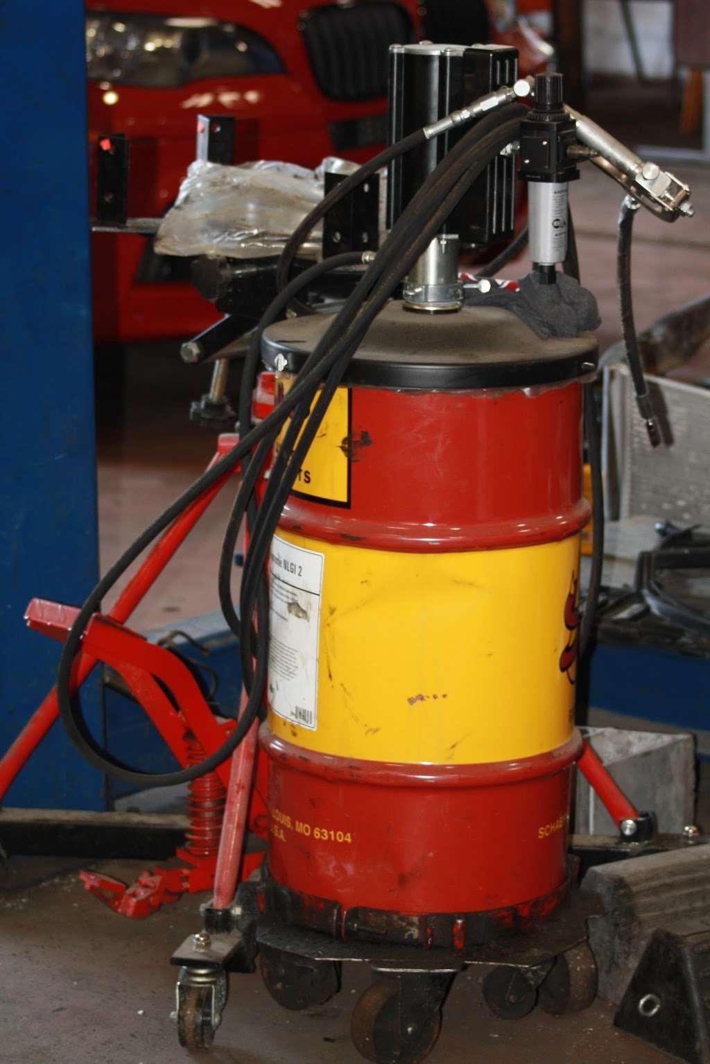 Sharp Express - car repair  | Photo 4 of 10 | Address: 413 Christina Dr, East Dundee, IL 60118, USA | Phone: (773) 616-0013