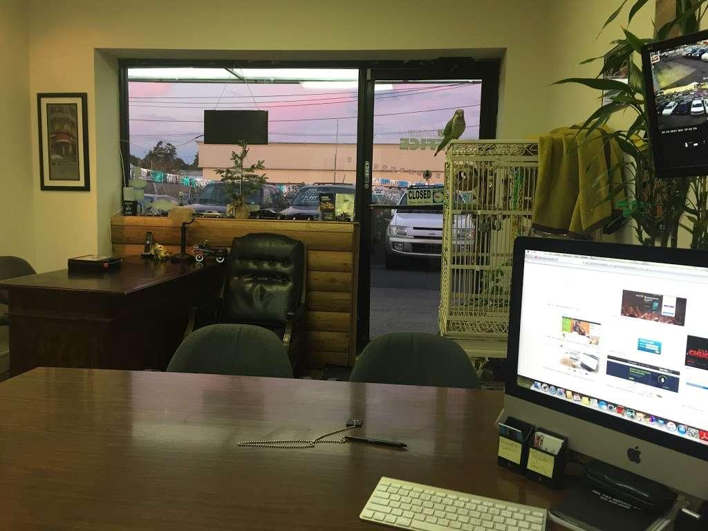 SB Auto Sales - car dealer  | Photo 7 of 10 | Address: 1355 Montauk Hwy, Copiague, NY 11726, USA | Phone: (631) 225-1405