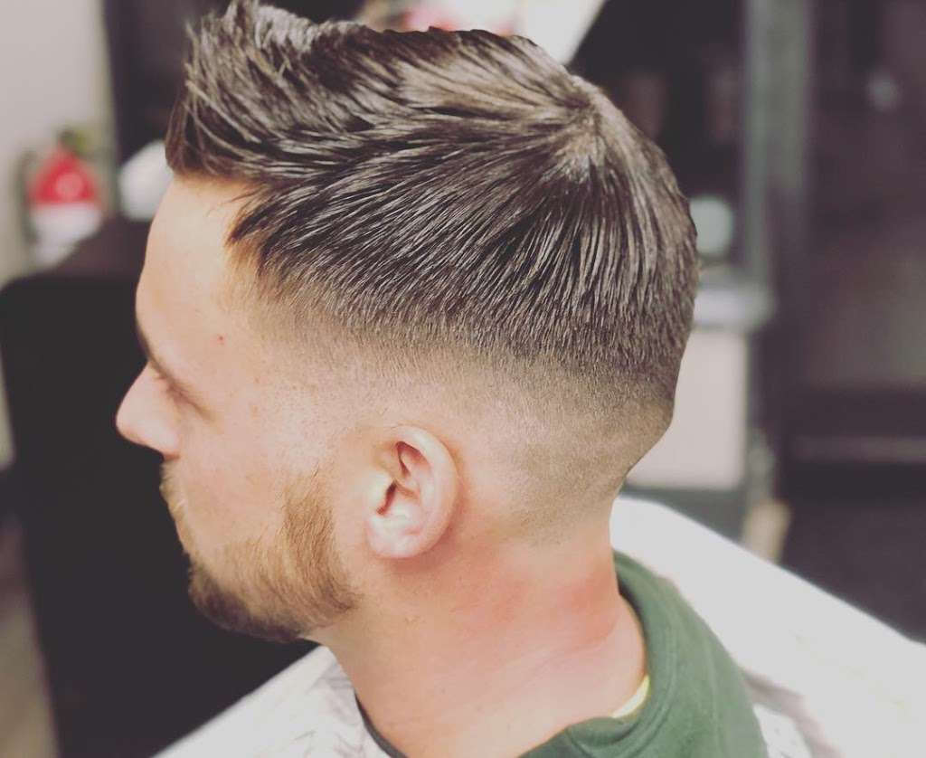 Danny's barbershop - hair care  | Photo 7 of 10 | Address: 150 S Main St, Newtown, CT 06470, USA | Phone: (203) 304-1632