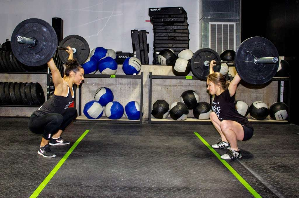 Bowery CrossFit - gym  | Photo 3 of 10 | Address: 285 Grand St, New York, NY 10002, USA | Phone: (516) 725-5032