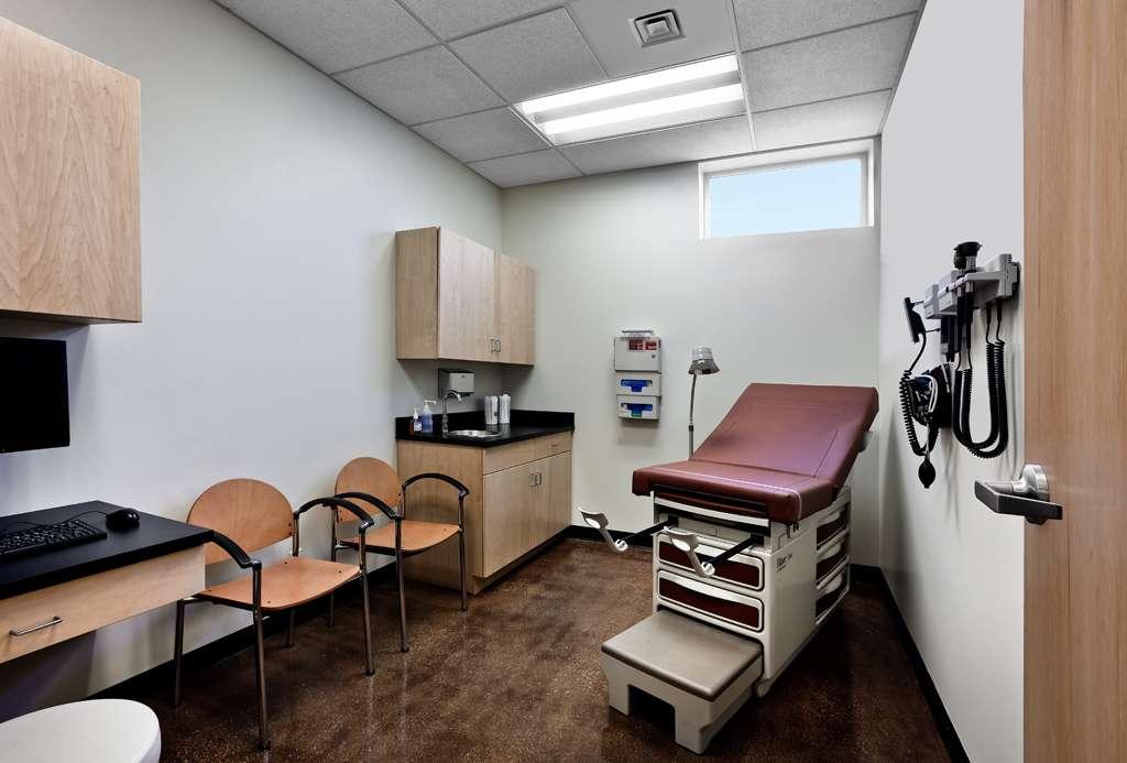PCC Austin Family Health Center - dentist    Photo 4 of 6   Address: 5425 W Lake St, Chicago, IL 60644, USA   Phone: (773) 378-3347