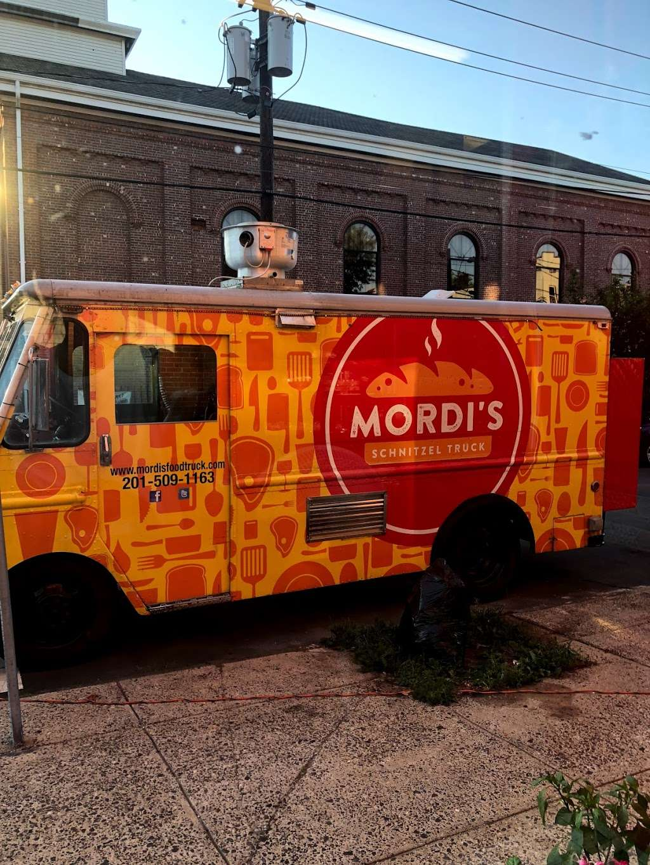 Mordi's Sandwich Shop - restaurant    Photo 3 of 10   Address: 320 Communipaw Ave, Jersey City, NJ 07304, USA   Phone: (551) 697-4805