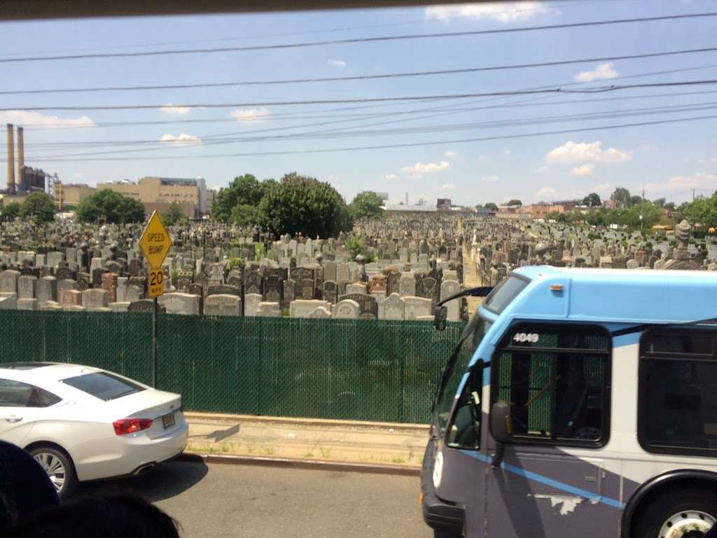 Bnal Jeshurum and Shearith Israel Cemetery - cemetery    Photo 1 of 4   Address: Brooklyn, NY 11208, USA