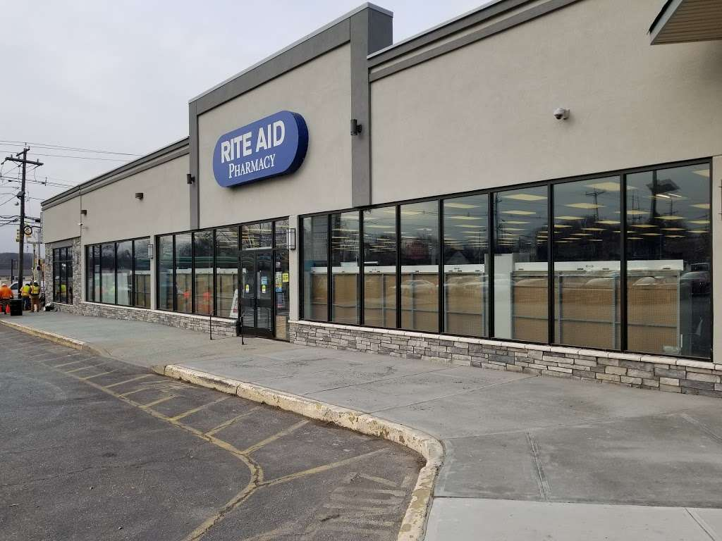 Florian Glass Service, Inc. - store  | Photo 2 of 10 | Address: 3800 32nd St, Union City, NJ 07087, USA | Phone: (201) 863-4770